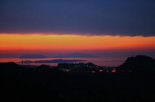 Monforte San Giorgio - cala la notte verso il tirreno