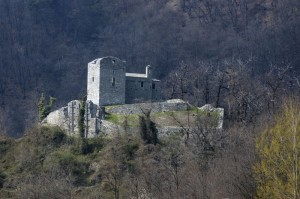 Castello e Torre della Regina o di Domofole a Mello