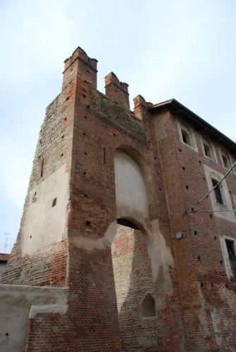 Buronzo - Porta merlata del borgo