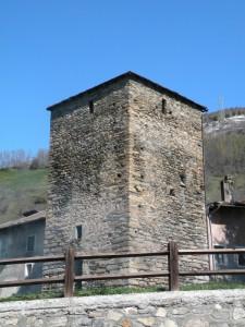 Torre in una frazione del paese
