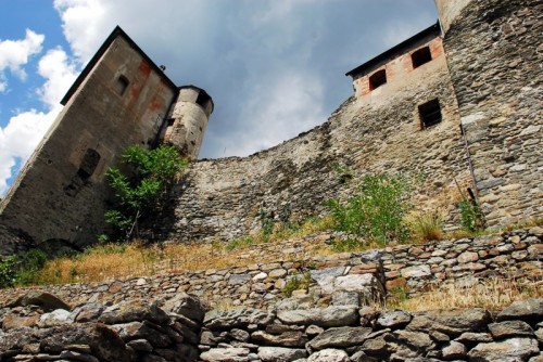 Quart - Il Castello di Quart, mura dei Savoia