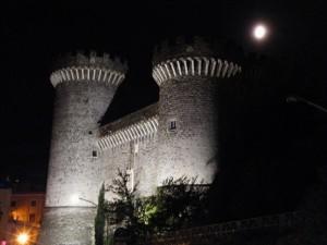 Rocca Pia di notte