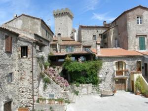 Torre di Capalbio vista dalle mura di cinta