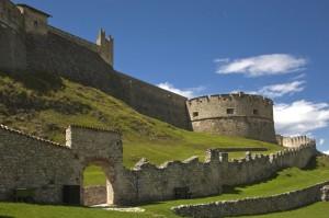 Mura di cinta a Castel Beseno