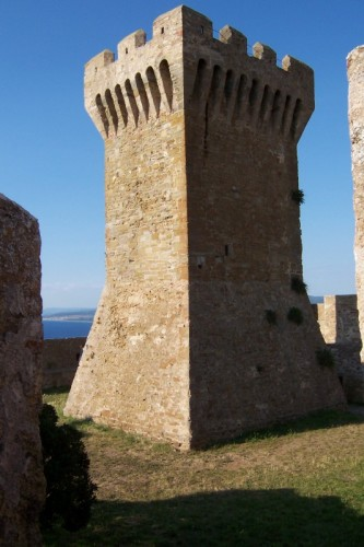 Piombino - La Rocca di Populonia