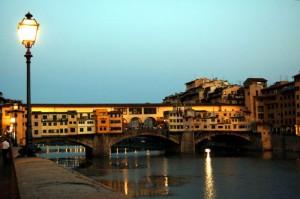 scende la sera sul ponte vecchio