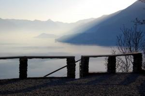 raggio di sole sul lago