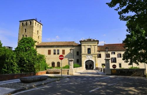 Portobuffolè - PORTOBUFFOLE' : Torre Civica e Torresin
