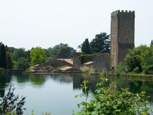 Torre sul laghetto (Giardini di Ninfa)