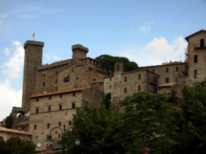 La rocca Monaldeschi che domina Bolsena