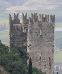 torre merlata castello di Arco