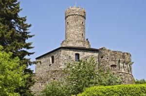 il castello del feudo imperiale di Campo Freddo