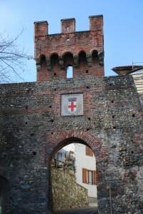Torre porta d'accesso al borgo