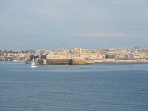 panorama imboccatura porto e castello maniace