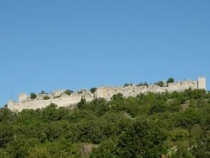 Ruderi del Castello d'Ocre prima del terremoto.