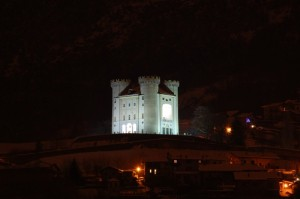 Castello di Aymavilles notturno