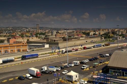 Civitavecchia - Il porto e le sue mura