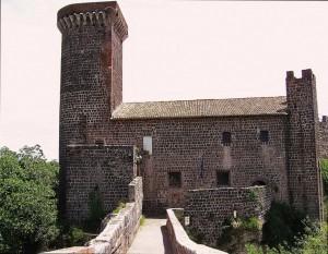 il castello a guardia del ponte