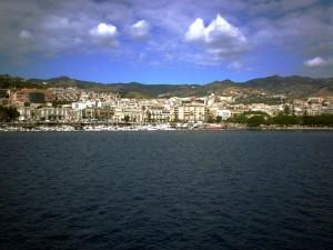 la mia isola vista dal traghetto