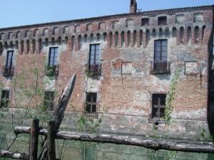 lato nord castelo di Padernello