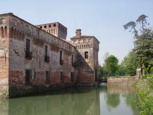 fossato del castello di Padernello