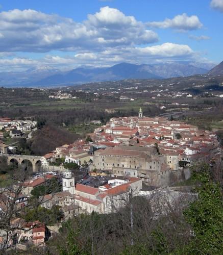 Sant'Agata De' Goti - S.Agata dei Goti dall'acquedotto carolino