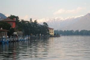 panorama dal lungo lago