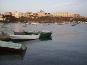Lampedusa - Il centro abitato dal Porto Nuovo