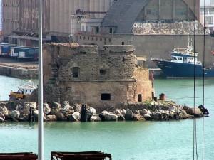 Fortificazione nel Porto di Civitavecchia (RM)