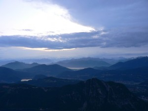 tramonto sulle prealpi