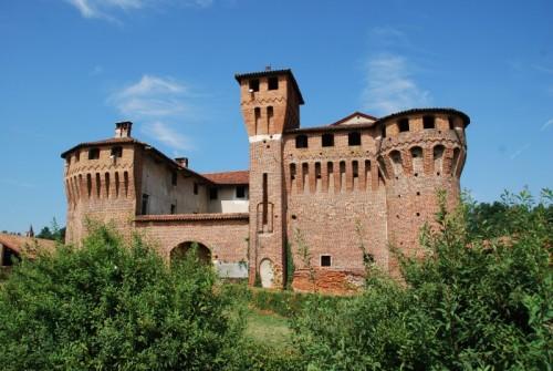 Briona - in località Proh un bel Castello Sforzesco