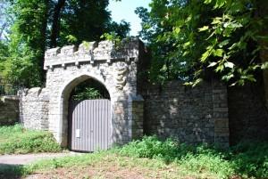 un'uscita secondaria del Castello dal Pozzo