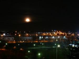 la luna e le luci