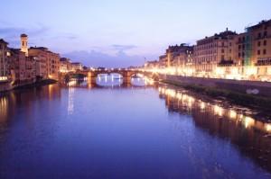 le sponde dell'Arno al crepuscolo