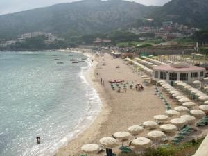 panorama della spiaggia di Baja Sardinia