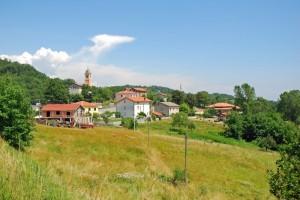 Una manciata di case e una chiesa