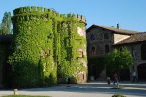 Grazzano Visconti-torri del castello