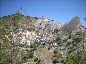Castelmezzano veduta dal basso