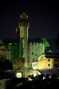 Nozzano castello in notturna 1