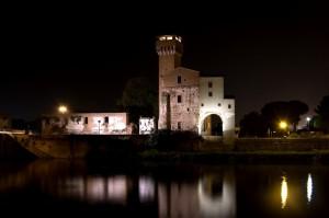 fortificazione con torre Guelfa