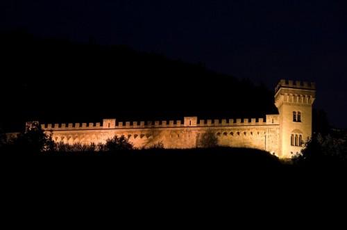 San Giuliano Terme - il castello di notte