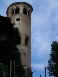 La torre del castello di Lozzolo