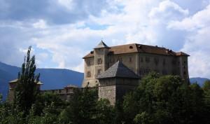 castel di thun visto da sopra