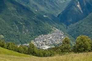 Pagnona vista dall'alpe Giumello