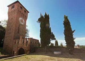 La Rocca di Bazzano, la torre dell' orologio.