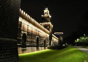Il Castello Sforzesco di notte…