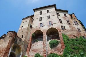 l'imponente edificio del castello