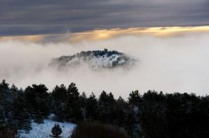 """La Nebbia che avvolge il """"Castello di Barisciano """""""