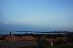 La Luna e il Lago