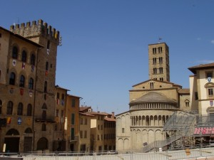 Piazza Grande e Santa Maria della Pieve